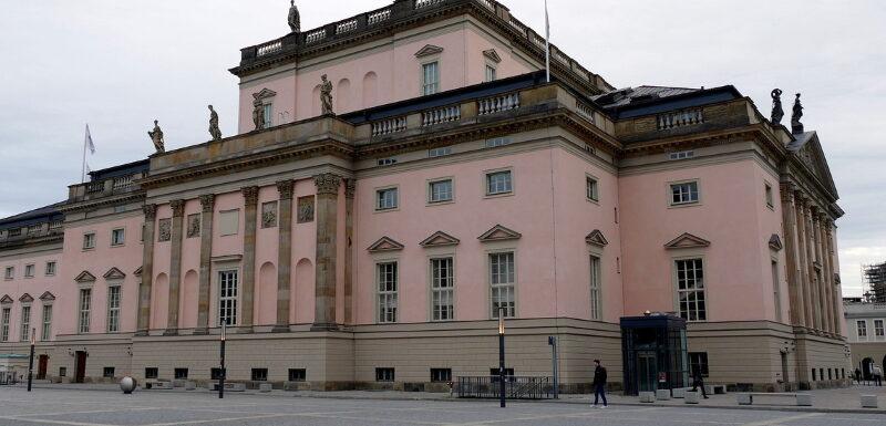 Die Staatsoper in Berlin am Bebelplatz