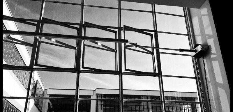 Die neue Nationalgalerie wurde vom Architekten Mies van der Rohe entworfen.