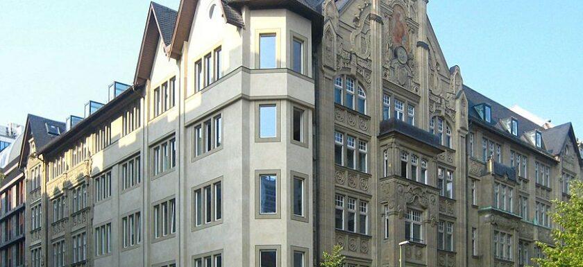 Das ehemalige Hotel Roter Adler in Berlin-Mitte.